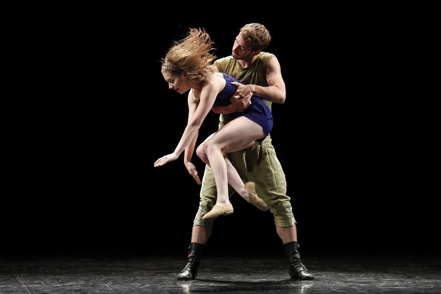 Спектакль Белого театра танца. Фото Krzysztof Mystkowski