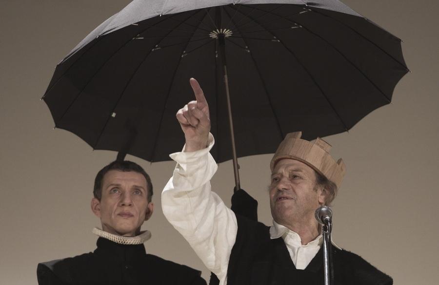 Сцена изспектакля «Король Лир»